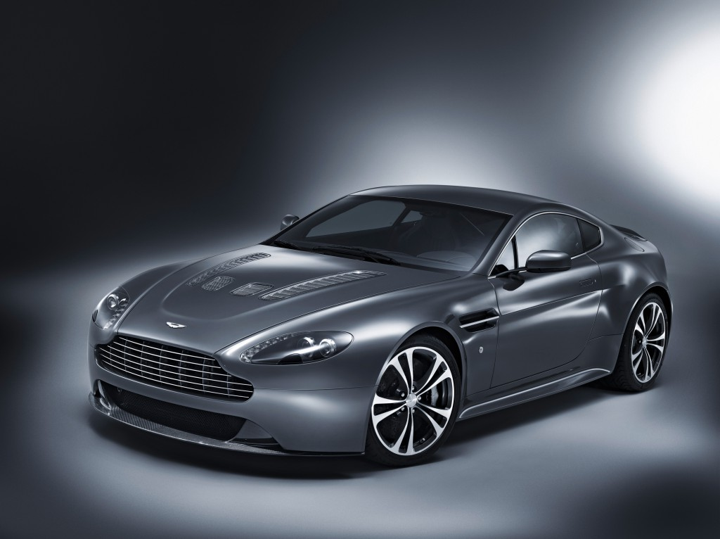 AstonMartinV12_foto1