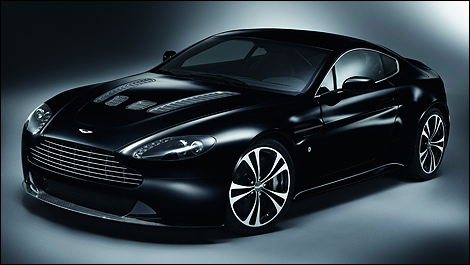 Aston-Martin-Carbon-Black-i01