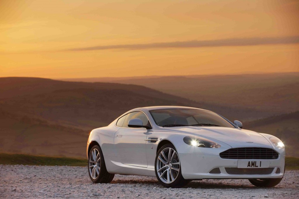 ASTON MARTIN DB9, THE DEFINITIVE SPORTS GRAND TOURER